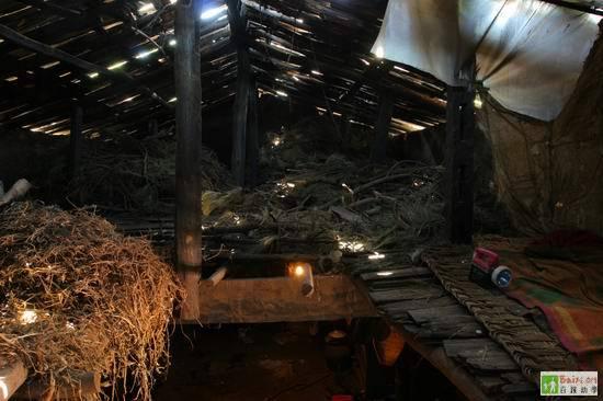 Внутри дома. Провинция Сычуань. Фото с epochtimes.com