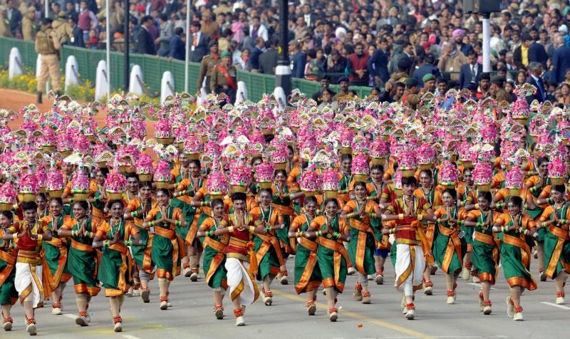 Школярі з південного штату Пондічеррі під час параду в Нью-Делі. Фото: RAVEENDRAN/AFP/Getty Images