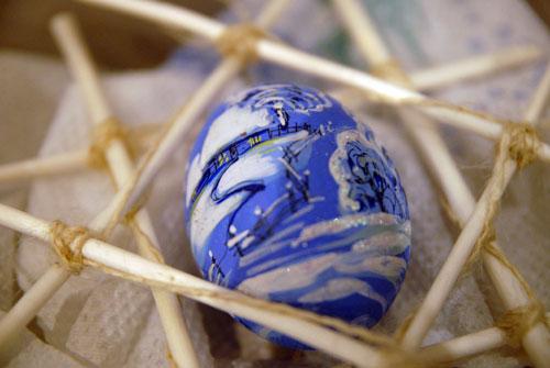 Росписное яйцо представленное в галерее украинских мастеров на вечернице Варвары. Фото: Владимир Бородин/Великая Эпоха
