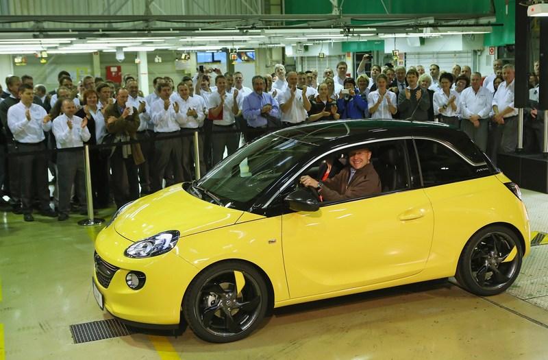 Айзенах, Німеччина, 10січня. Компанія «Опель» розпочала випуск міського автомобіля Adam. Фото: Sean Gallup/Getty Images