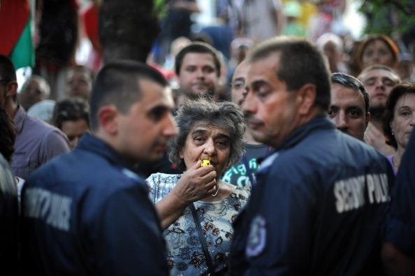 Нічна акція протесту в Софії, Болгарія. Фото: DIMITAR DILKOFF/AFP/Getty Images