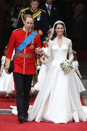 Близько двох тисяч гостей були присутні на святковій церемонії одруження принца Уїльяма і Кейт Міддлтон, 29 квітня 2011 року. Фото: Chris Jackson/Getty Images