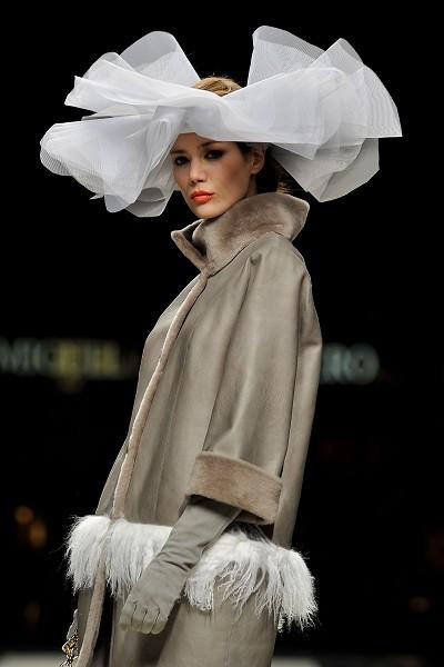Новая коллекция Miguel Marinero на Неделе моды в Мадриде. Фото: Getty Imges