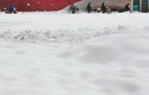 В Китае продолжаются сильные снегопады. Фото: China Photos/Getty Images