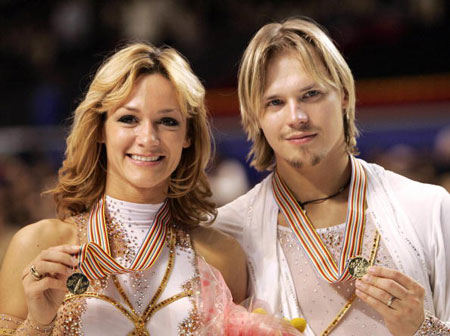 Золоті медалісти, болгарська пара Albena Denkova і Maxim Staviski. Фото: TOSHIFUMI KITAMURA/AFP/Getty Images