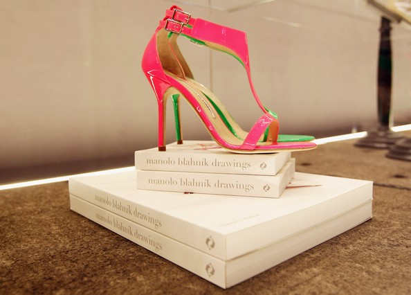 Маноло Бланік (Manolo Blahnik) - улюблений бренд взуття Керрі Бредшоу.