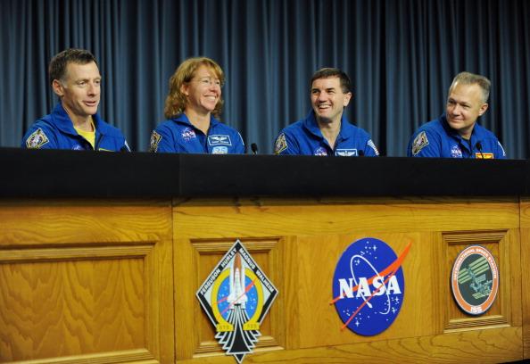 Пресс-конференция экипажа шаттла «Атлантис» в Космическом центре им. Кеннеди. Фото: STAN HONDA/AFP/Getty Images