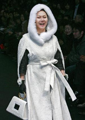 Дизайнер Emiko Miki. Коллекция осень-зима 2007/08. Фото: YOSHIKAZU TSUNO/AFP/Getty Images