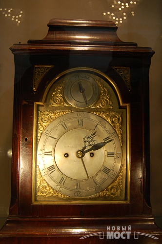 Дніпропетровськ. Виставка унікальних старовинних годинників. Фото: Новий міст