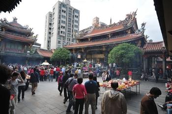 Храм Лун-шань в Тайбеї. Фото: Владо Ботка