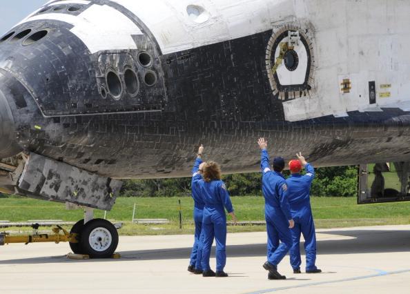Прощание с шаттлом «Атлантис». Фото: BRUCE WEAVER/AFP/Getty Images
