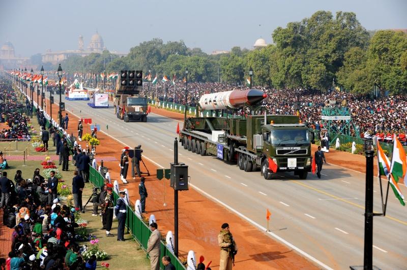 Баллистическая ракета средней дальности «Агни 4» на параде в Нью-Дели. Фото: RAVEENDRAN/AFP/Getty Images