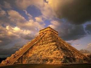 Культура майя досягла найвищого розквіту в VIII столітті: в ті часи на Юкатані та поблизу нього мешкало не менше п'яти мільйонів чоловік, а можливо, і в три-чотири рази більше. Фото: travel-mexico.ru