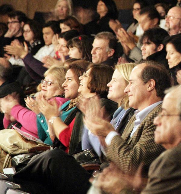 Полностью заполненный зал театра Auditorio Belgrano в Буэнос-Айресе на четвёртом представлении Shen Yun Performing Arts, состоявшемся 1 июля. (The Epoch Times)