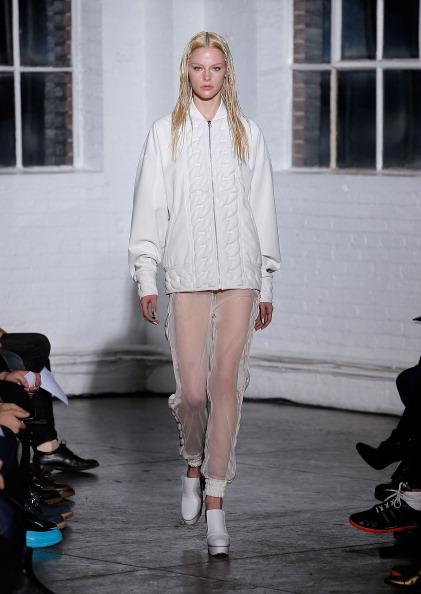 Коллекция от Kye сезона осень 2014 на Неделе моды Mercedes-Benz Fashion Week в Нью-Йорке. Фото: Jemal Countess/Getty Images