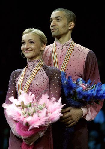 Олена Савченко і Робін Жолкови (Німеччина). Фото: YURI KADOBNOV/AFP/Getty Images