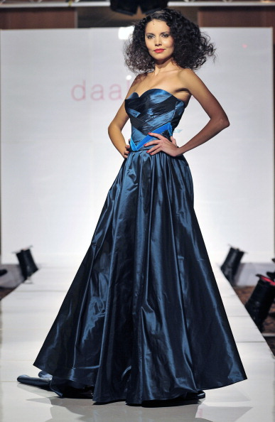 Презентация коллекции от Anita Benes на Неделе моды 2010 в Будапеште. Фото ATTILA KISBENEDEK/AFP/Getty Images