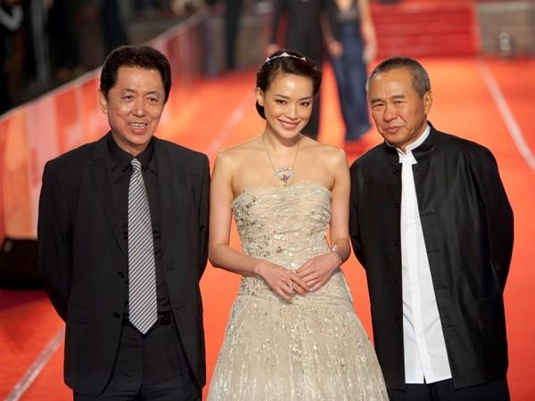 Наряды китайских звезд на 46-й церемонии вручения наград Golden Horse в Тайпее. Фото: Getty Imges