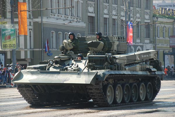 Демонстрация военной техники. 9 мая 2009 год. Фото: Юлия Цигун/The Epoch Times