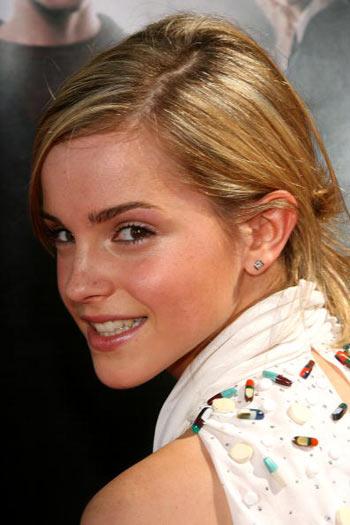 Актриса Эмма Уотсон (Emma Watson) посетила премьеру фильма  «Гарри Поттер и Орден Феникса», которая состоялась в Голливуде 8 июля. Фото: Frederick M. Brown/Getty Images
