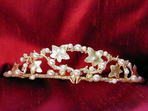 Корона - великолепное романтическое украшение для невесты.фото с efu.com.cn