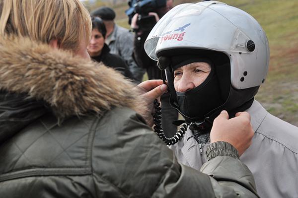 Приготовления к полету на паротрайке. Фото: Владимир Бородин/The Epoch TimesУкраина