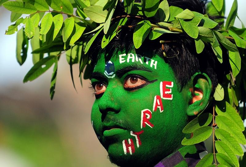 Аллахабад, Индия, 22 апреля. Защитники окружающей среды отмечают Всемирный День Земли. Фото: Sanjay Kanojia/AFP/Getty Images