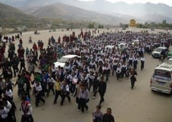 Протесты тибетских студентов против языковой политики Пекина. Провинция Цинхай. 19,20 октября 2010 год. Фото: Voice of Tibet Foundation