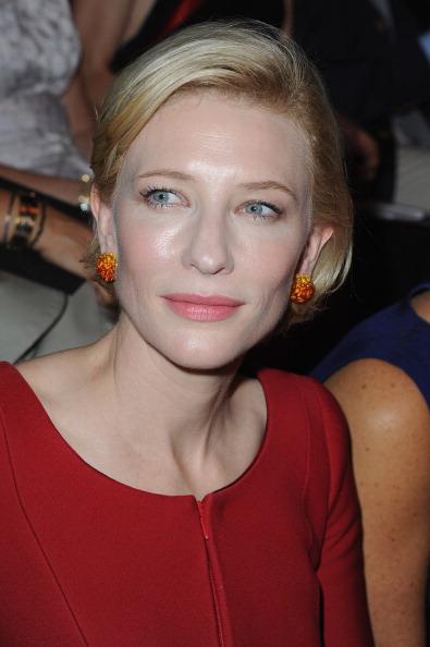 Австралийская актриса Кейт Бланшетт посетила показ от Джорджо Армани (Giorgio Armani) на Парижской неделе моды. Фото: Pascal Le Segretain/Getty Images