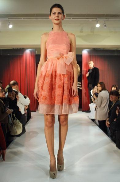Магдалена Velevisa представила свою колекцію Фото: Sergio Dionisio/Getty Images