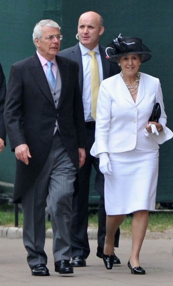 Бывший премьер-министр Великобритании Джон Мейджор с супругой Нормой. Фото: Pascal Le Segretain/Getty Images