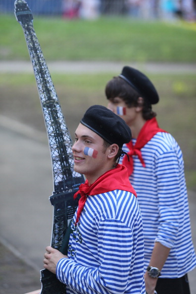 Французькі шанувальники у фан-зоні в Донецьку 23червня 2012року. Фото: Alexander KHUDOTEPLY/AFP/Getty Images