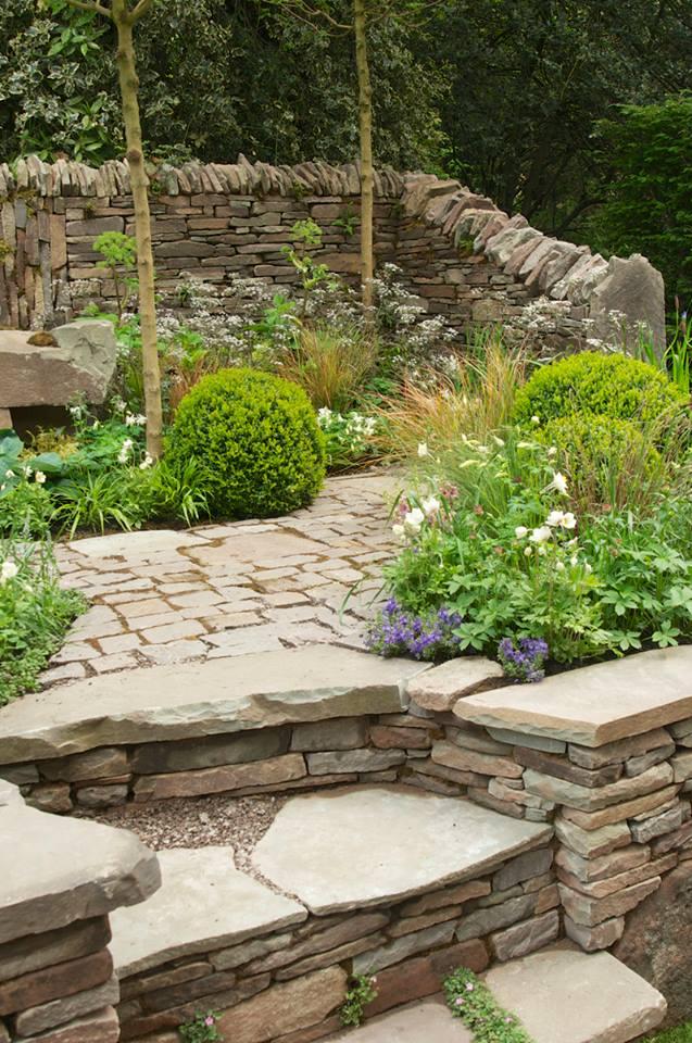 Сад «Камень» от компании «Harry & David Rich» на выставке цветов в Челси демонстрирует отделённость человека от природы. Фото: rhschelsea/facebook.com