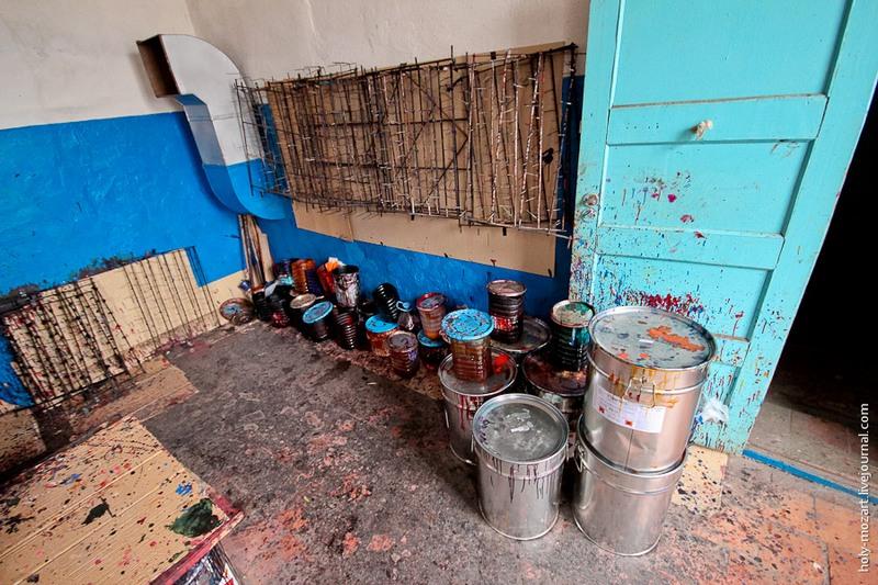 Чем не мастерская художника-оформителя? Фото: holy-mozart.livejournal.com