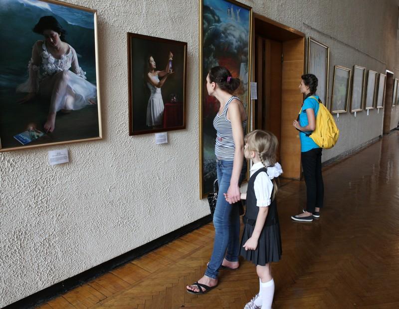 Виставка «The Art of Zhen Shan Ren» (Мистецтво Істини-Доброти-Терпіння) пройшла в Дніпропетровську. Фото: Людмила Сівкова