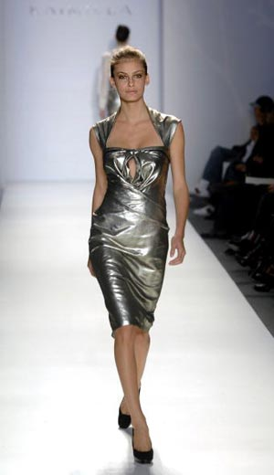 The Tadashi Shoji Fall 2007. Фото: AFP PHOTO/Timothy A. CLARY