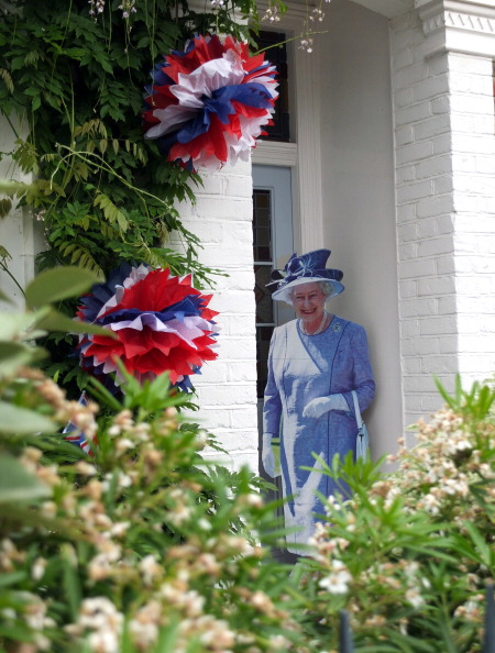 Её Величество Королева Елизавета II празднует 60-ю годовщину своего восшествия на престол. Лондон, Англия. 02 июня 2012 года. Фото: Peter Macdiarmid/Getty Images