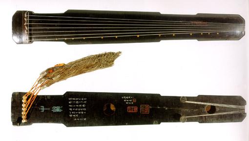 Древний китайский музыкальный инструмент – цинь. Фото с edoors.com