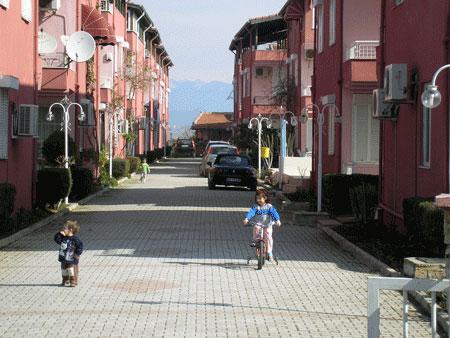 Туристический городок возле Белека. Фото: Елена Подсосонная