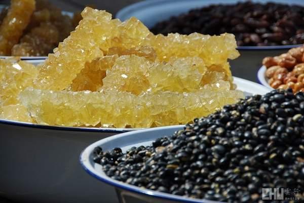 На рынках и улицах Синьцзяна. Фото с aboluowang.com