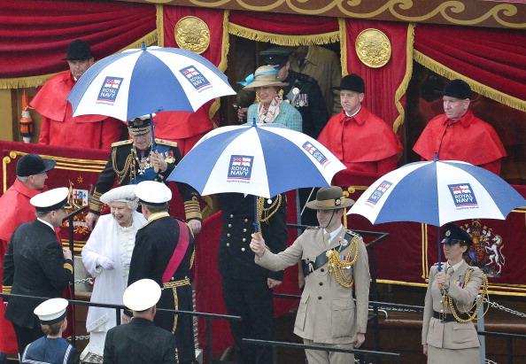 Её Величество Королева Елизавета II празднует 60-ю годовщину своего восшествия на престол. Лондон, Англия. 03 июня 2012 года. Фото: WPA Pool/Getty Images