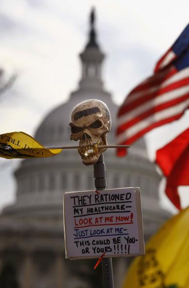 Консерваторы протестуют против реформы в системе здравоохранения. США. Фото: John Moore/Getty Images