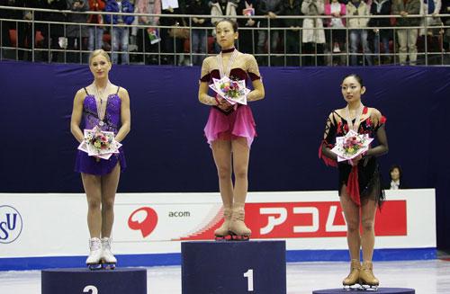 Слева направо: Джоанни Рошетт (Канада). Мао Асада (Япония), Мики Андо (Япония). Фото: Chung Sung-Jun/Getty Images