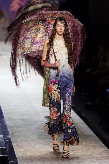 Лучшие коллекции женской одежды, представленные на показе мод в Париже. Фото: AFP/Getty Images
