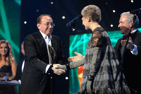 Александр Масляков получил специальную премию общенациональной программы «Человек года». Фото: Владимир Бородин/The Epoch Times