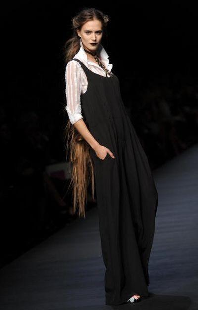 Показ весенне-летней коллекции Mariella Burani в рамках Недели высокой моды в Милане. Фото: FILIPPO MONTEFORTE/AFP/Getty Images