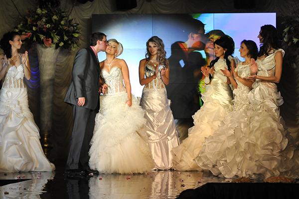 Финалистки конкурса Невеста года в Украине-2010. Фото: Владимир Бородин/The Epoch Times Украина