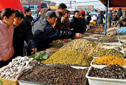 Пекин. Продукты для приготовления новогодних блюд. Фото: TEH ENG KOON/AFP/Getty Images
