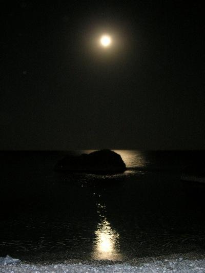 Бухта Ласпі: місячна доріжка. Фото: Алла Лавриненко/The Epoch Times Україна