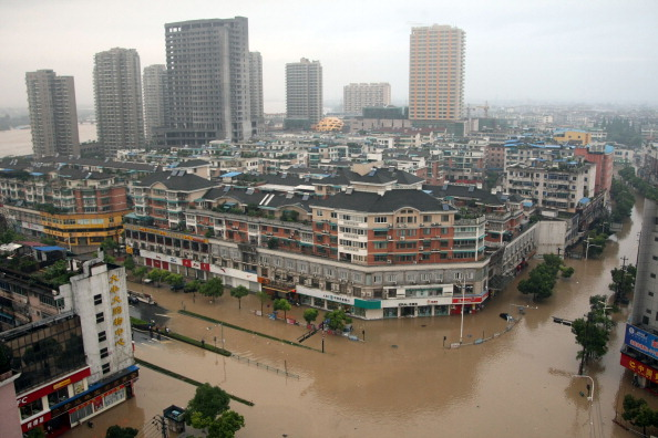 Повінь у м. Лансі, провінція Чжецзян. Фото: STR / AFP / Getty Images